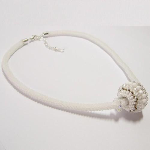 náhrdelník, bílá