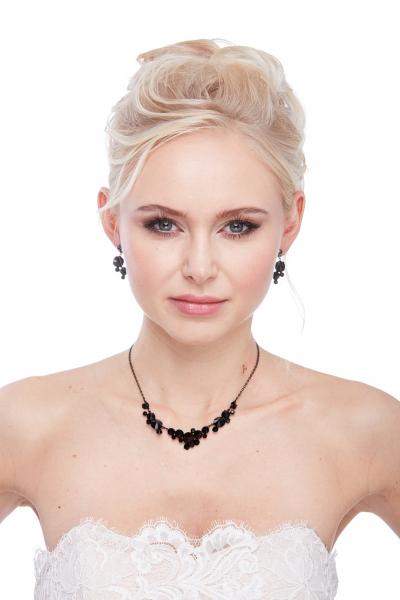 Elegantní křišťálový náhrdelník – černá jet