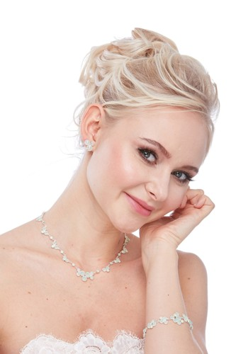 Elegant necklace made from Czech rhinestones