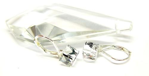 Jemné náušnice na klapce s krychličkou Swarovski, stříbro