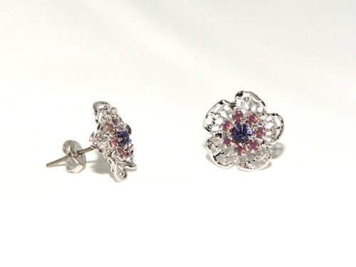 Light earrings with filigree – flower