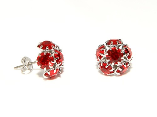 Small fashion earrings