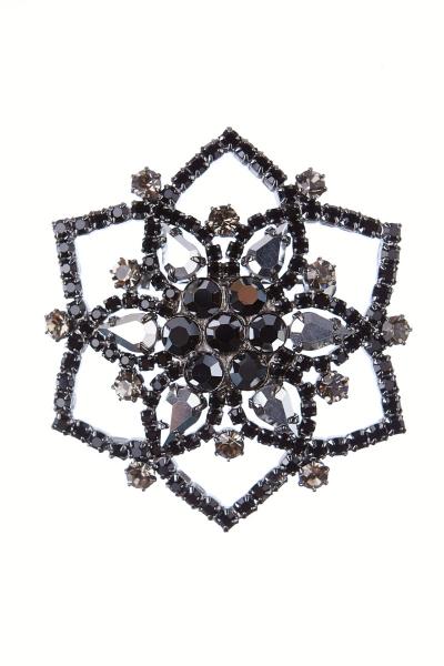 Brooch black flower